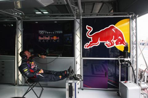 Mecánico box Red Bull