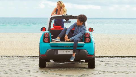 Mejores coches para ir a la playa Ferrari Buggy Polaris Renault Brabus Citroën