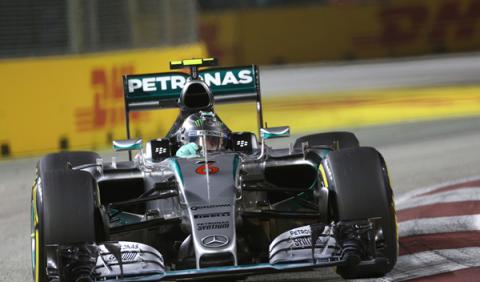 Mercedes, fuera de los 3 primeros en Singapur