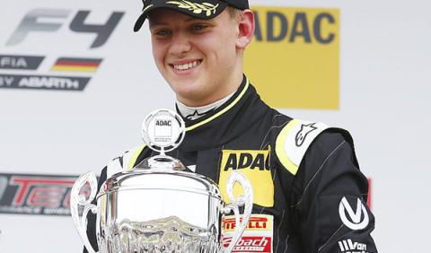 Mick Schumacher logra su primera victoria en monoplazas