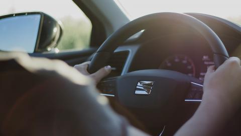 ¡Ola, verano! Aprende a ahorrar carburante en vacaciones - Conduce bien