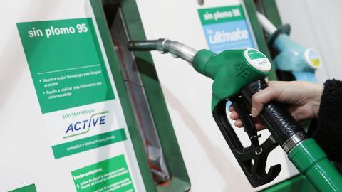 ¡Ola, verano! Aprende a ahorrar carburante en vacaciones - Reposta siempre los mejores carburantes