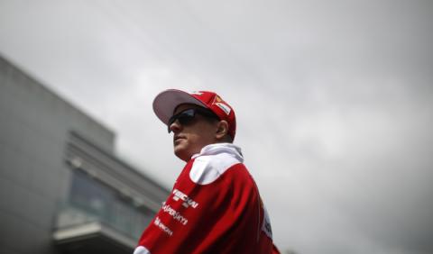 Räikkönen se mete en líos por una pista de motocross