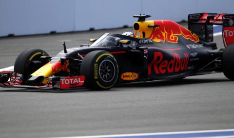 Red Bull prueba su cúpula en los Libres 1 de Rusia