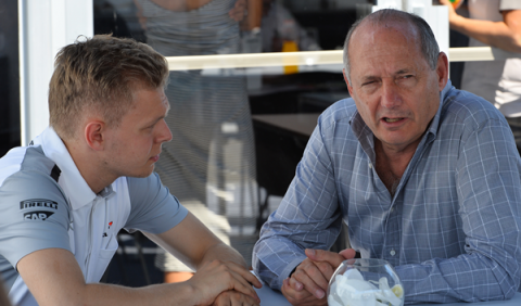 Ron Dennis busca apoyos para Magnussen en Dinamarca