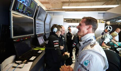 Schumacher sigue en el hospital, no en una clínica