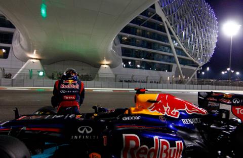 Vettel es sancionado y saldrá último en el GP de Abu Dabi