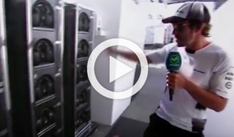 Vídeo: Fernando Alonso te enseña el box de McLaren