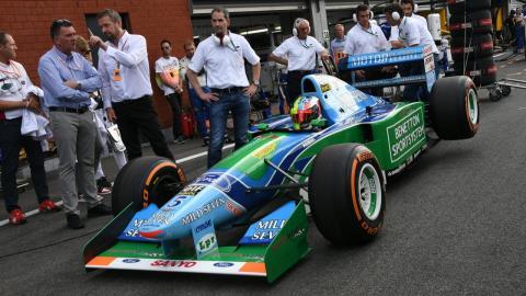 Mick Schumacher pilota el Benetton F1 1994 de Michael