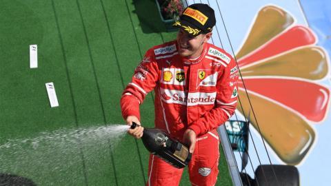Sebastian Vettel celebra su triunfo en Hungría
