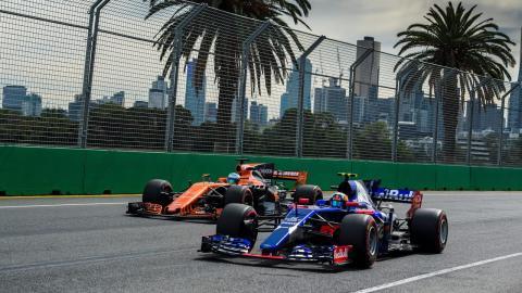Alonso y Sainz, durante el GP de Australia