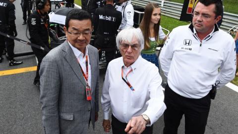 Ecclestone en parrilla de F1 junto a McLaren