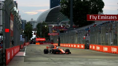 Fernando Alonso en los Libres 3 del GP Singapur