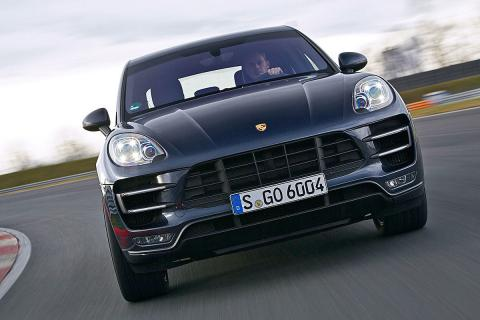 Al volante del Porsche Macan Performance Paket