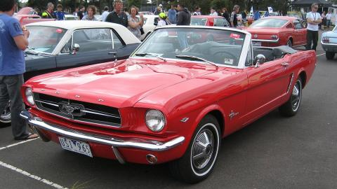 Ford_Mustang_Convertible_1965
