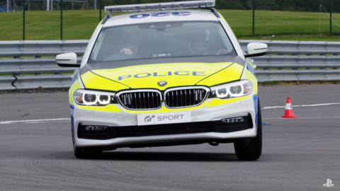 Policía británica Gran Turismo Sport