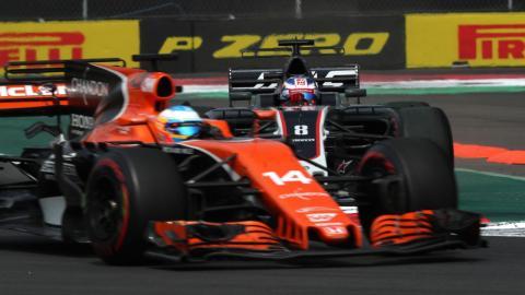 Remontada de Alonso en el GP de México