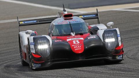 Alonso con el TS050 en Baréin