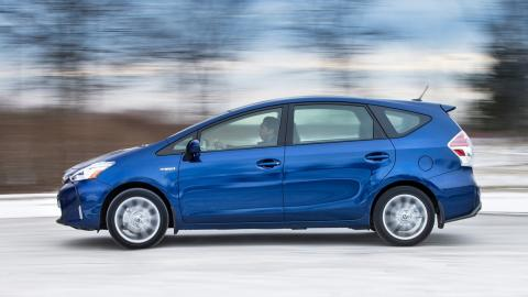 Todos los coches híbridos que puedes comprar - Toyota Prius +