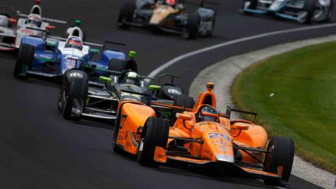 Alonso lidera en las 500 Millas de Indianápolis