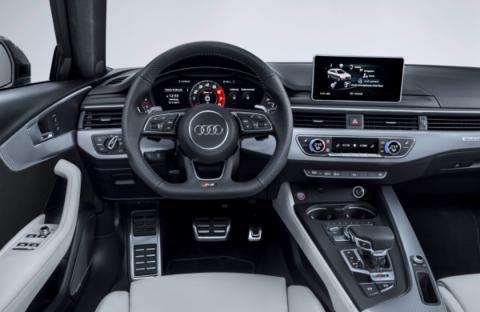 Interior del Audi RS 4 2018
