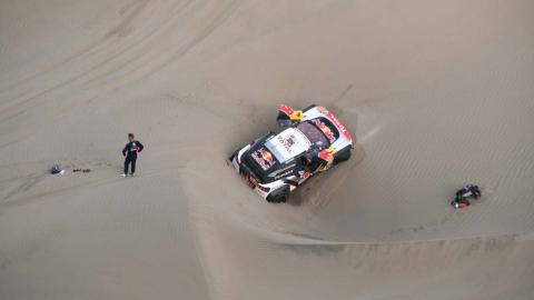 Accidente de Loeb y Elena en el Dakar