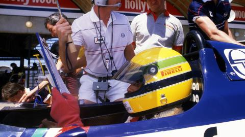 Ayrton Senna, en la parrilla del GP Brasil 1984