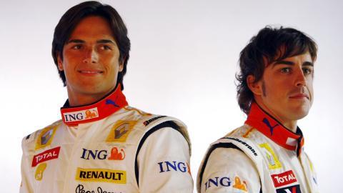 Fernando Alonso y Nelson Piquet Jr. en 2009