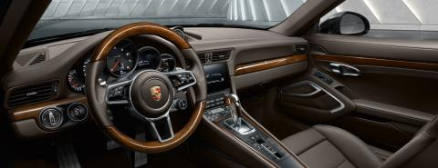 Porsche 911 Carrera interior