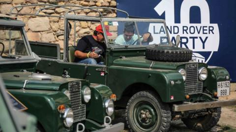 Land Rover Party