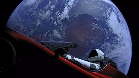 Memes del Tesla Roadster que vaga por el espacio