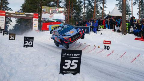 Neuville en WRC Suecia 2