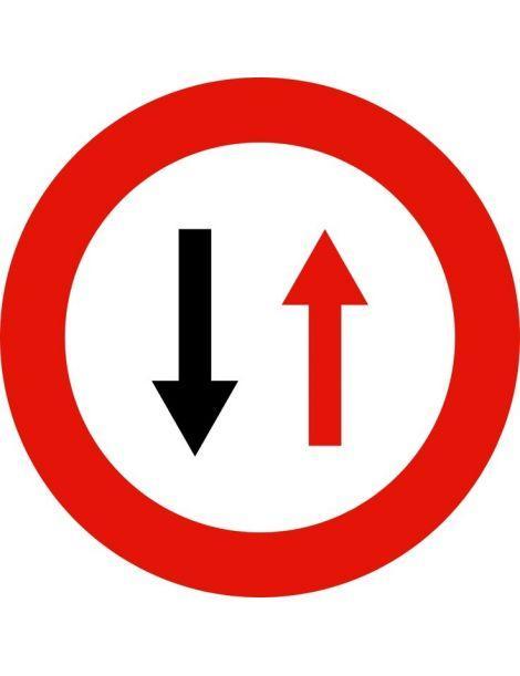 Señal de tráfico: prioridad respecto al sentido contrario