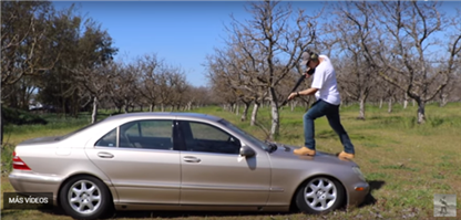 ¿Cuán resistente a las balas es el Mercedes Clase S W220?
