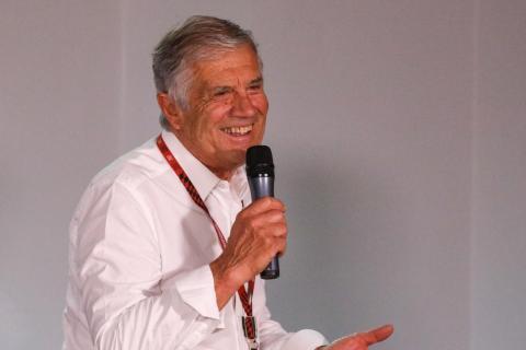 Giacomo Agostini opina sobre el incidente entre Rossi y Márquez
