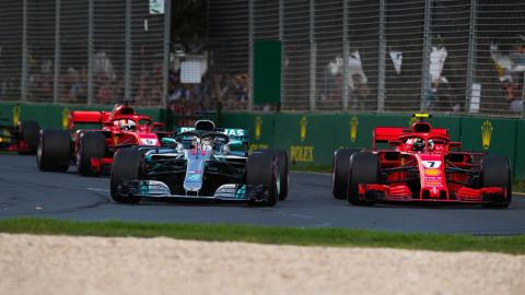 Mercedes y Ferrari en el GP Australia 2018