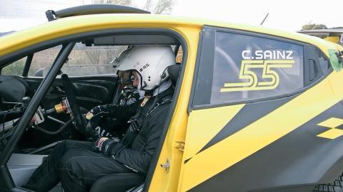 Carlos Sainz con el Renault de Rallys
