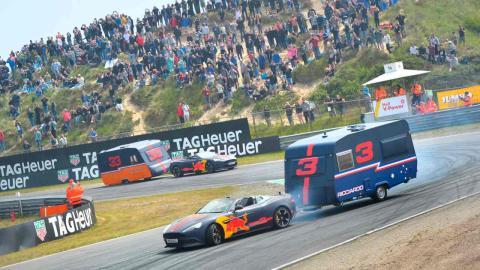 Carrera de caravanas Red Bull