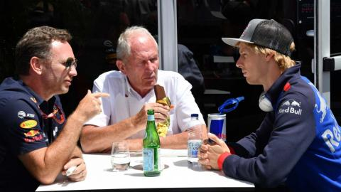 Brendon Hartley, Helmut Marko y Christian Horner