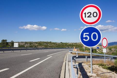 señales tráfico, velocidad