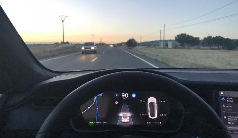 8 cosas de conducir un Tesla que la mayoría desconoce