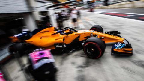 Alonso pit lane