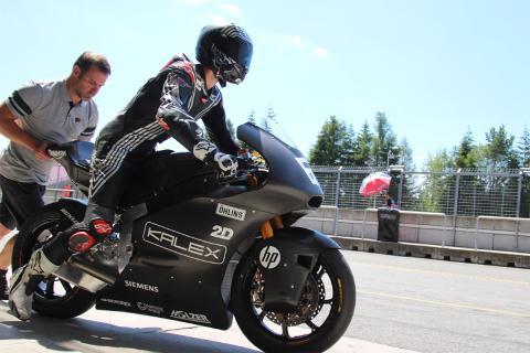 Jonas Folger prueba la Kalex de Moto2 con motor Triumph