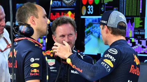 Max Verstappen, en el box de Hungria
