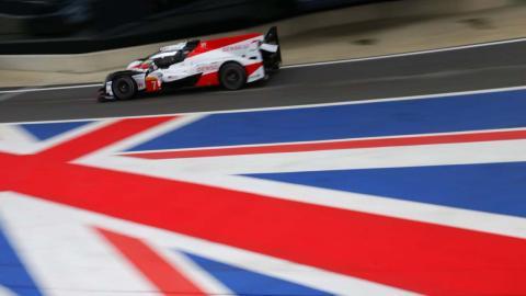 Pole de Toyota en Silverstone