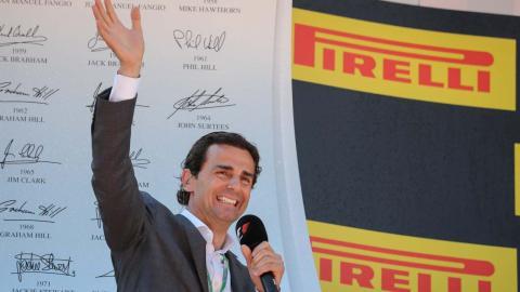 De la Rosa en el podio del GP de España