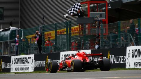 Vettel gana en Bélgica