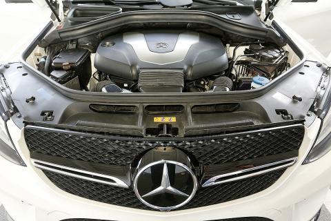 Audi Q8 vs Mercedes GLE Coupé