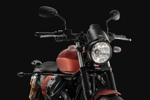 Moto Guzzi V9 Bobber Sport 2018