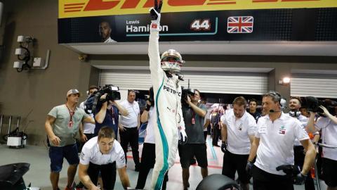 Pole de Hamilton en Singapur